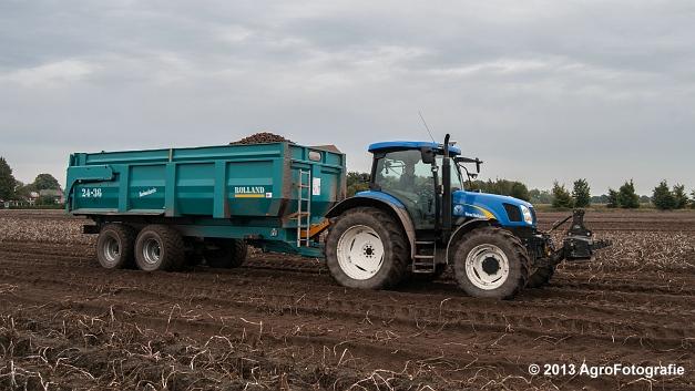 New Holland T6050 + Grimme SE 150-60 (15 van 25)