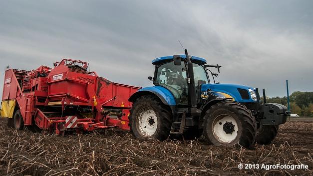 New Holland T6050 + Grimme SE 150-60 (17 van 25)