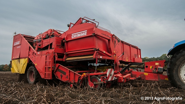 New Holland T6050 + Grimme SE 150-60 (18 van 25)