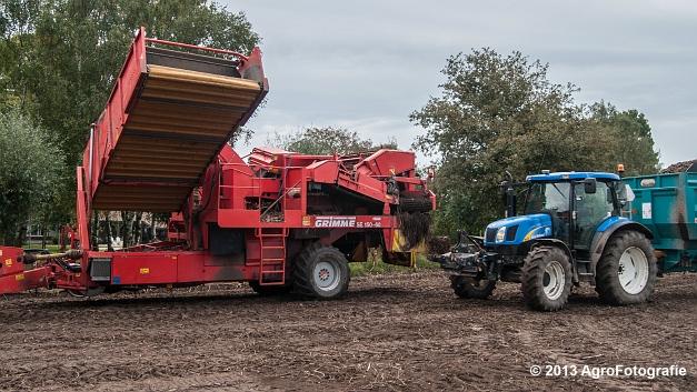 New Holland T6050 + Grimme SE 150-60 (21 van 25)