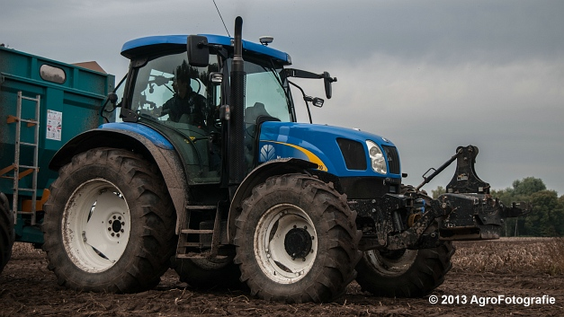 New Holland T6050 + Grimme SE 150-60 (24 van 25)