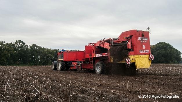 New Holland T6050 + Grimme SE 150-60 (3 van 25)