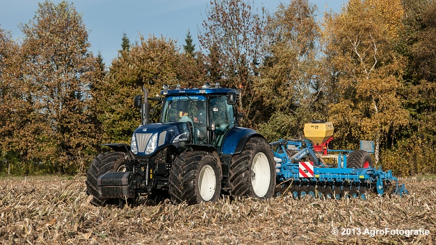 New Holland T7070 BP (Roost) (7 van 23)