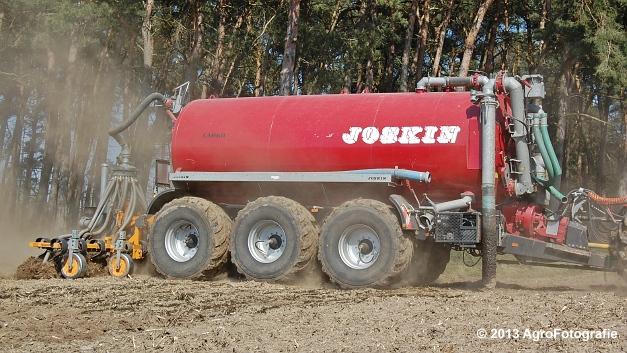 New Holland T7060 + Joskin CarGO 22500 TRM (15)
