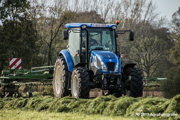 New Holland TD8 (9)