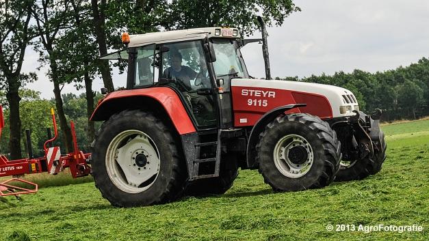 Steyr 9115 + Lely lotus (3 van 16)