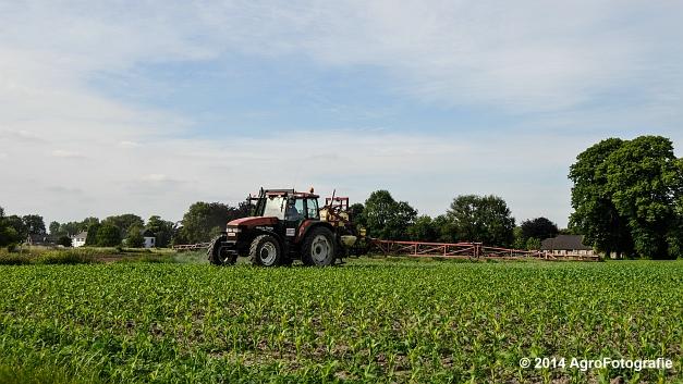 New Holland TM115 + Hardi (1 van 21)