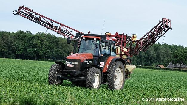 New Holland TM115 + Hardi (20 van 21)
