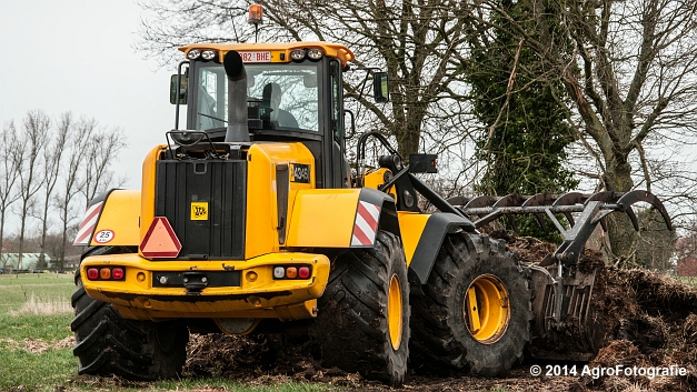 New Holland TM 155 + Dezeure (1 van 20)