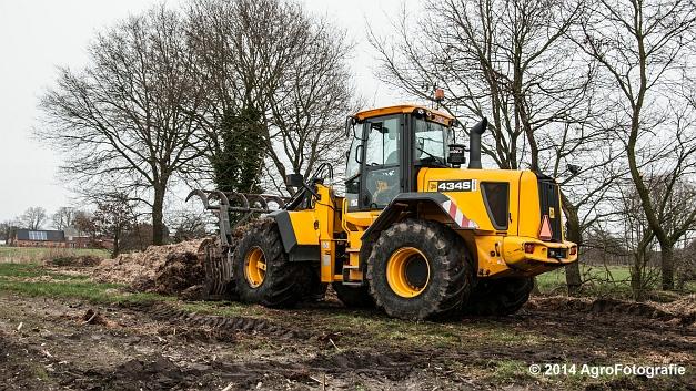 New Holland TM 155 + Dezeure (3 van 20)