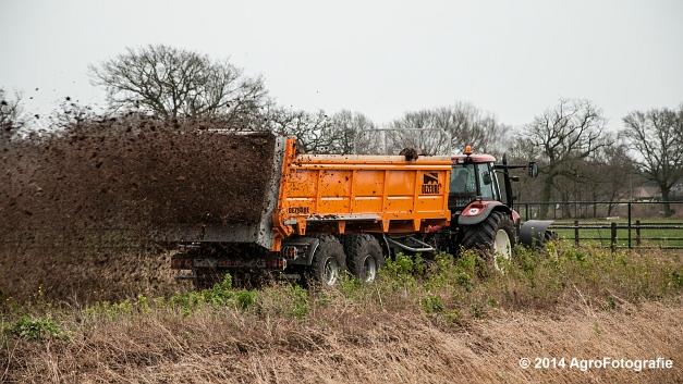 New Holland TM 155 + Dezeure (6 van 20)