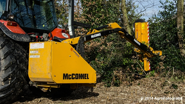 New Holland TM 155 + Mc Connel PA 55 ECO (10 van 23)