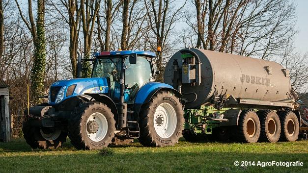 New Holland T7030 + Joskin (VDS) (1 van 25)
