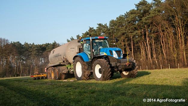 New Holland T7030 + Joskin (VDS) (10 van 25)