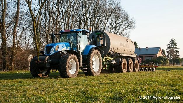 New Holland T7030 + Joskin (VDS) (15 van 25)