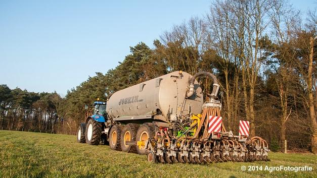 New Holland T7030 + Joskin (VDS) (18 van 25)