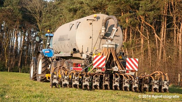 New Holland T7030 + Joskin (VDS) (20 van 25)
