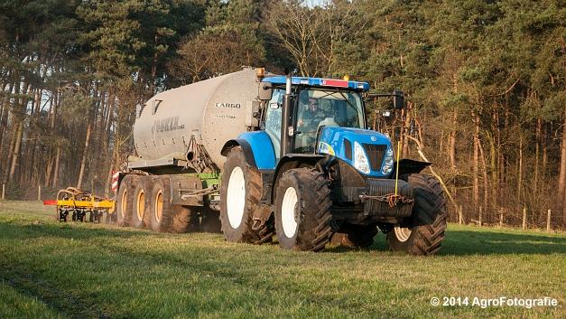 New Holland T7030 + Joskin (VDS) (22 van 25)