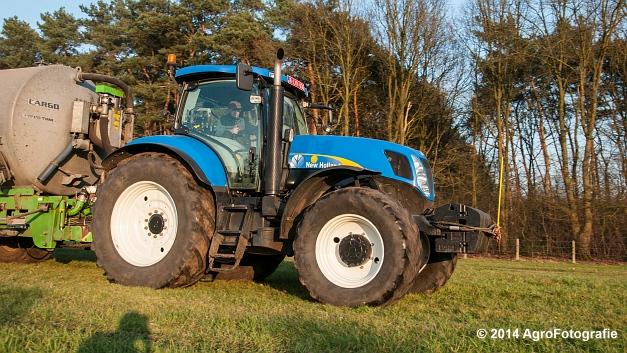 New Holland T7030 + Joskin (VDS) (23 van 25)