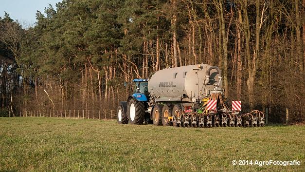 New Holland T7030 + Joskin (VDS) (4 van 25)