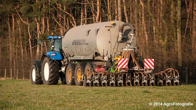New Holland T7030 + Joskin (VDS) (5 van 25)