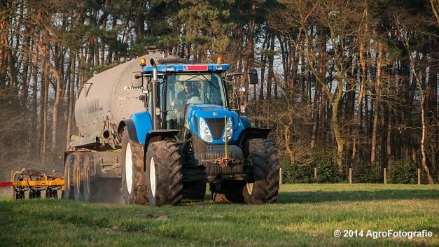 New Holland T7030 + Joskin (VDS) (7 van 25)