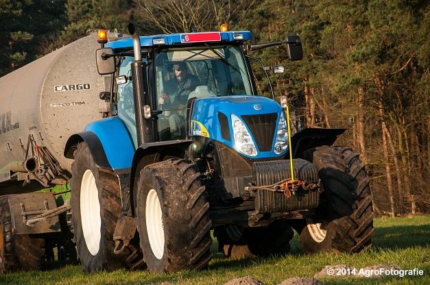 New Holland T7030 + Joskin (VDS) (8 van 25)