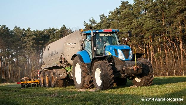 New Holland T7030 + Joskin (VDS) (9 van 25)