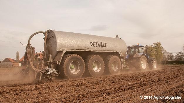 New Holland T7.250 + Dezwaef (12 van 28)