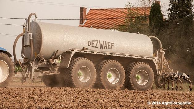 New Holland T7.250 + Dezwaef (6 van 28)