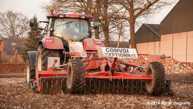 New Holland T7030 + Kuhn Optimer (Vanbuel) (11 van 18)