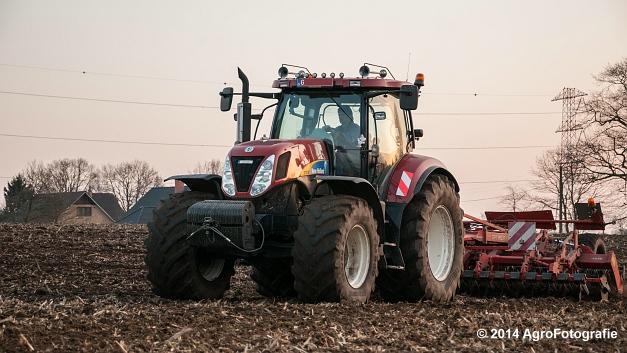 New Holland T7030 + Kuhn Optimer (Vanbuel) (13 van 18)