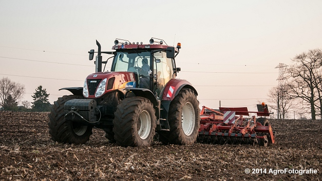New Holland T7030 + Kuhn Optimer (Vanbuel) (14 van 18)