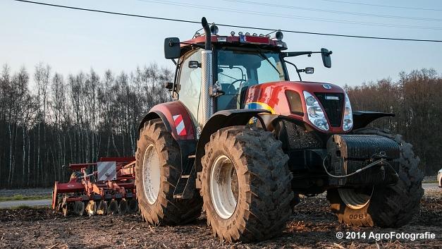 New Holland T7030 + Kuhn Optimer (Vanbuel) (2 van 18)