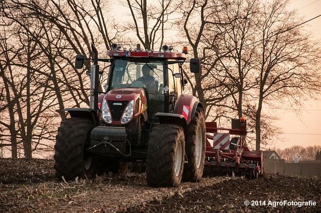 New Holland T7030 + Kuhn Optimer (Vanbuel) (6 van 18)