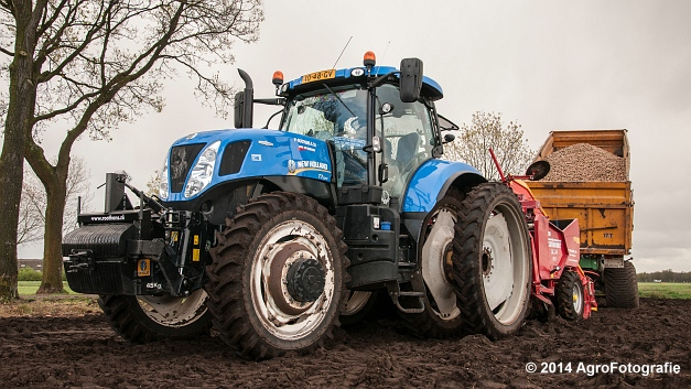 New Holland T7.220 + Grimme GL 34 DFB (Roothans) (13 van 17)