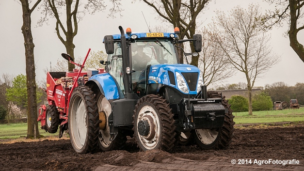 New Holland T7.220 + Grimme GL 34 DFB (Roothans) (15 van 17)