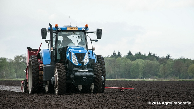 New Holland T7.220 + Grimme GL 34 DFB (Roothans) (5 van 17)