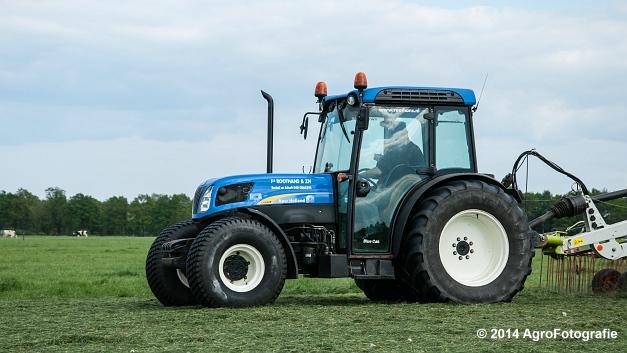 New Holland T4050f + Claas LINER 2900 (Roothans) (3 van 18)