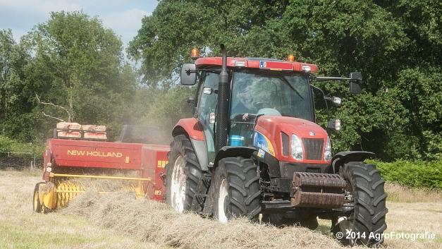 New Holland T6030 + New Holland 570 (Vanbuel) (10 van 14)
