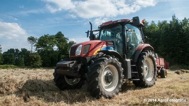 New Holland T6030 + New Holland 570 (Vanbuel) (5 van 14)