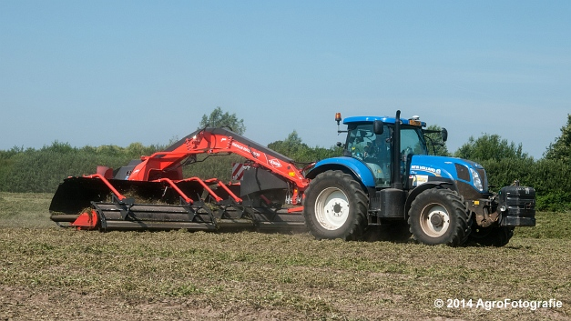 New Holland T7.170 + Kuhn Merge MAXX 900 (Van De Kruys) (1 van 22)