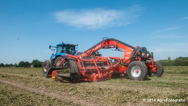 New Holland T7.170 + Kuhn Merge MAXX 900 (Van De Kruys) (15 van 22)