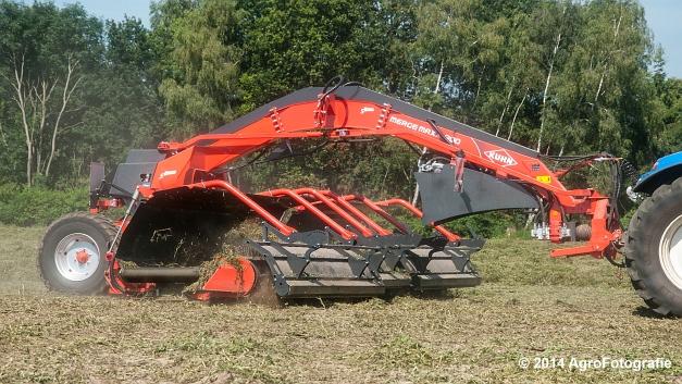 New Holland T7.170 + Kuhn Merge MAXX 900 (Van De Kruys) (2 van 22)