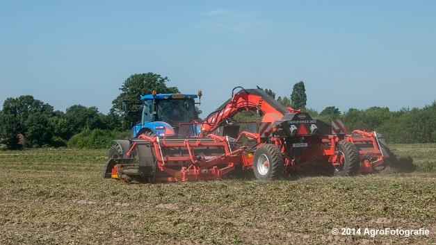 New Holland T7.170 + Kuhn Merge MAXX 900 (Van De Kruys) (6 van 22)