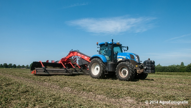 New Holland T7.170 + Kuhn Merge MAXX 900 (Van De Kruys) (9 van 22)