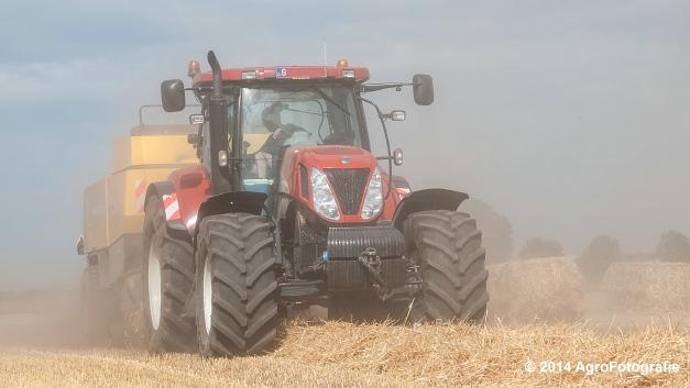 New Holland T7060 + New Holland BB940 (Vanbuel, stro) (11 van 16)
