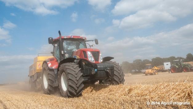 New Holland T7060 + New Holland BB940 (Vanbuel, stro) (12 van 16)