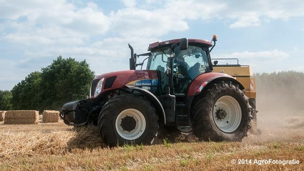 New Holland T7060 + New Holland BB940 (Vanbuel, stro) (15 van 16)