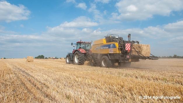 New Holland T7060 + New Holland BB940 (Vanbuel, stro) (16 van 16)